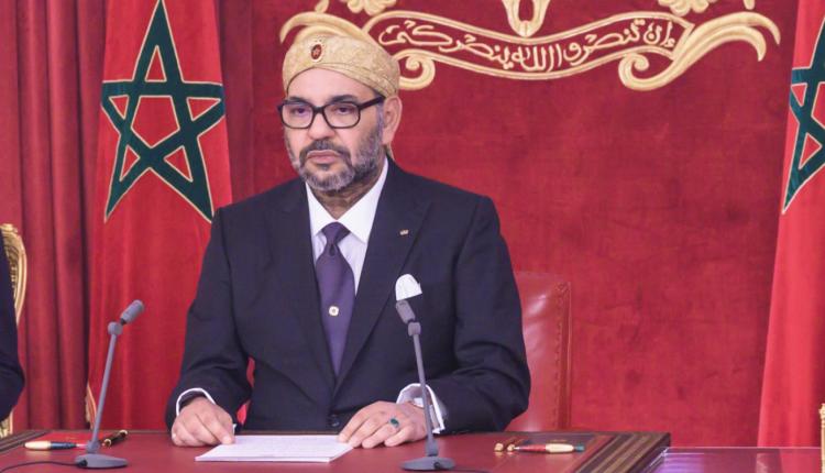 """جلالة الملك في خطاب تاريخي موجها رسالة للجزائر:"""" لن یأتیکم منه( المغرب) أي خطر أو تهديد؛ لأن ما يمسكم يمسنا، وما يصيبكم يضرنا."""