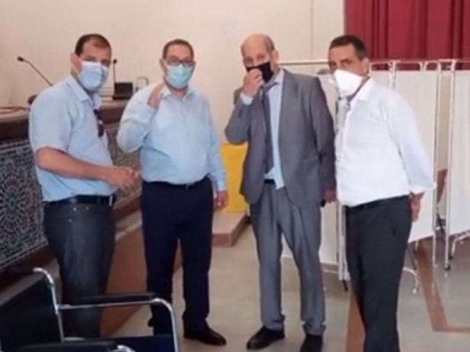 عامل سطات يتفقد سير عملية التطعيم بعد إحداث مراكز جديدة.