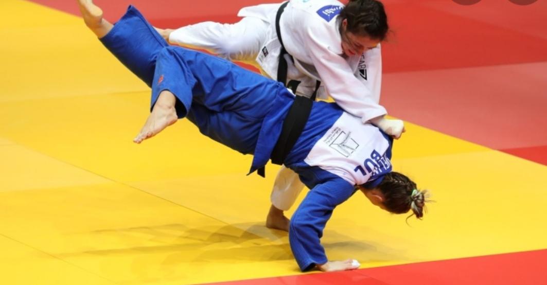 تحذير مدرب صفع لاعبة في منافسات الجودو في أولمبياد طوكيو .