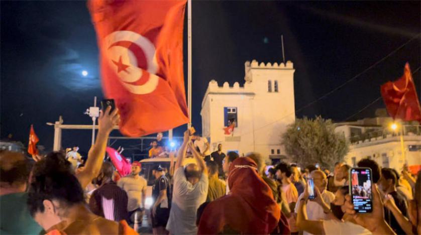 خمسة سيناريوهات محتملة لتصاعد الأزمة التونسية