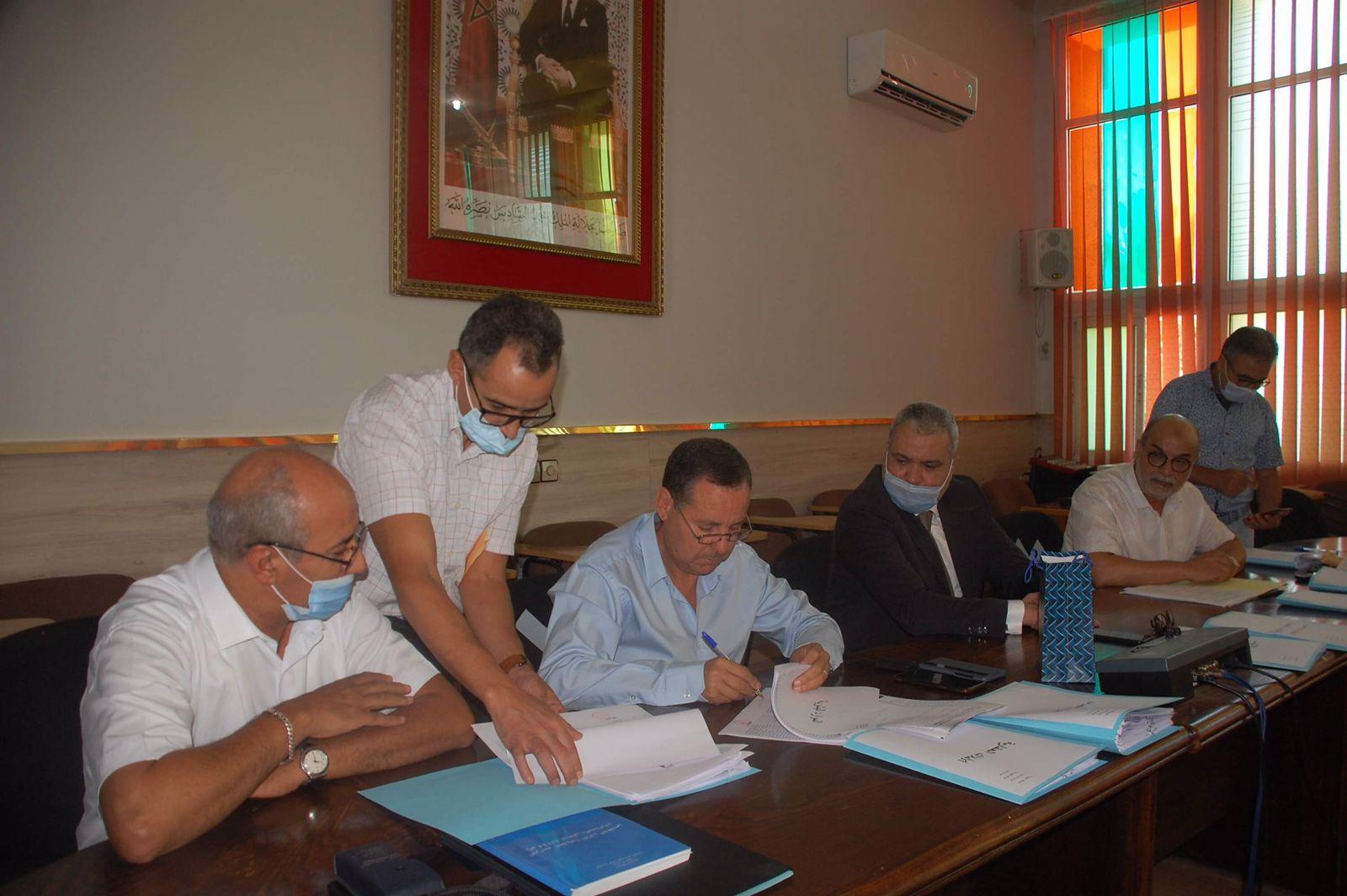 جماعة تازة تحتضن مراسيم تسليم السلط بين الرئيس السابق والرئيس الحالي .