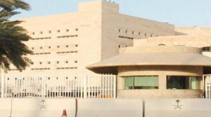 السعودية تستدعي سفير لبنان وتسلمه مذكرة احتجاج ضد إساءات قرداحي