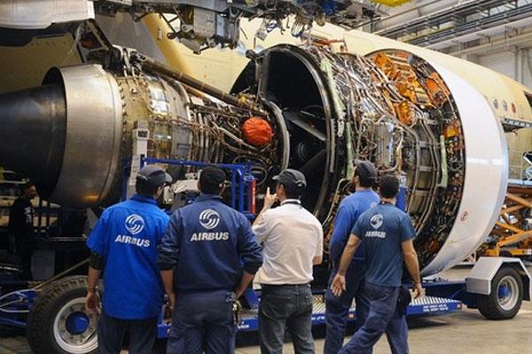 صناعة الطيران: تثمين المكتسبات من أجل إنجاح عملية الإنعاش لمرحلة ما بعد كوفيد-19 (وزير)
