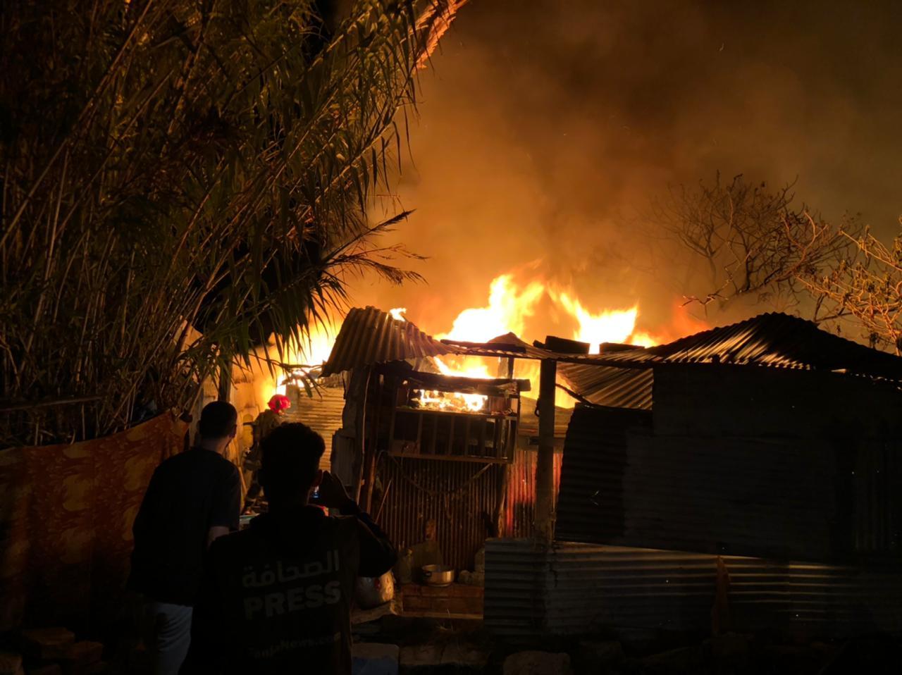 اندلاع حريق بحي صفيحي بطنجة.